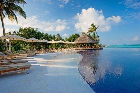 Пятизвёздочный курортный отель Diva Maldives (24 фото + 2 видео)