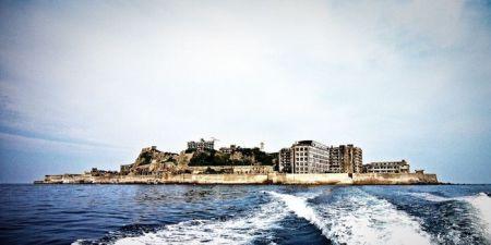 Японский остров призрак (14 фото)