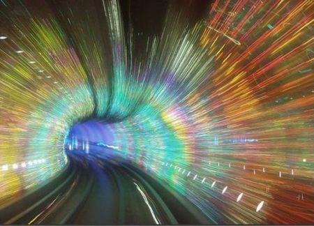 Самый красивый туннель метро в мире (22 фото + 1 видео)