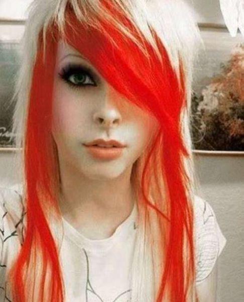Девушки с необычно ярким цветом волос