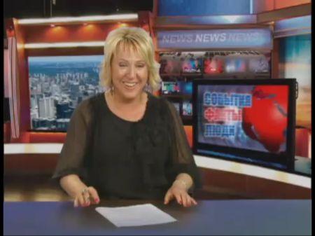 Телеведущая не может дочитать до конца свою новость (1 фото + 1 видео)