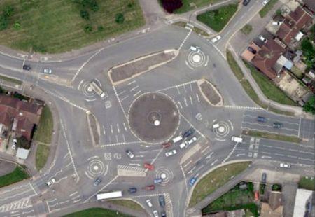 The Magic Roundabout (Волшебный обездной путь) (22 фото + 1 видео)