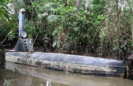 Самодельная подводная лодка колумбийской наркомафии (8 фото)