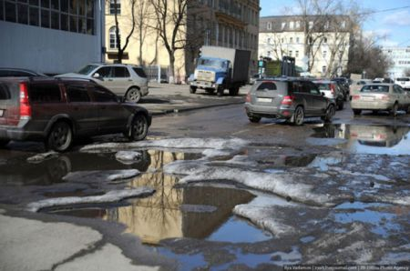 Разбитая дорога России (28 фото)