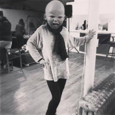 реалистичная маска ребенка